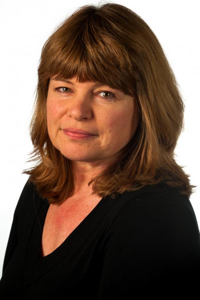 Alison Burman headshot