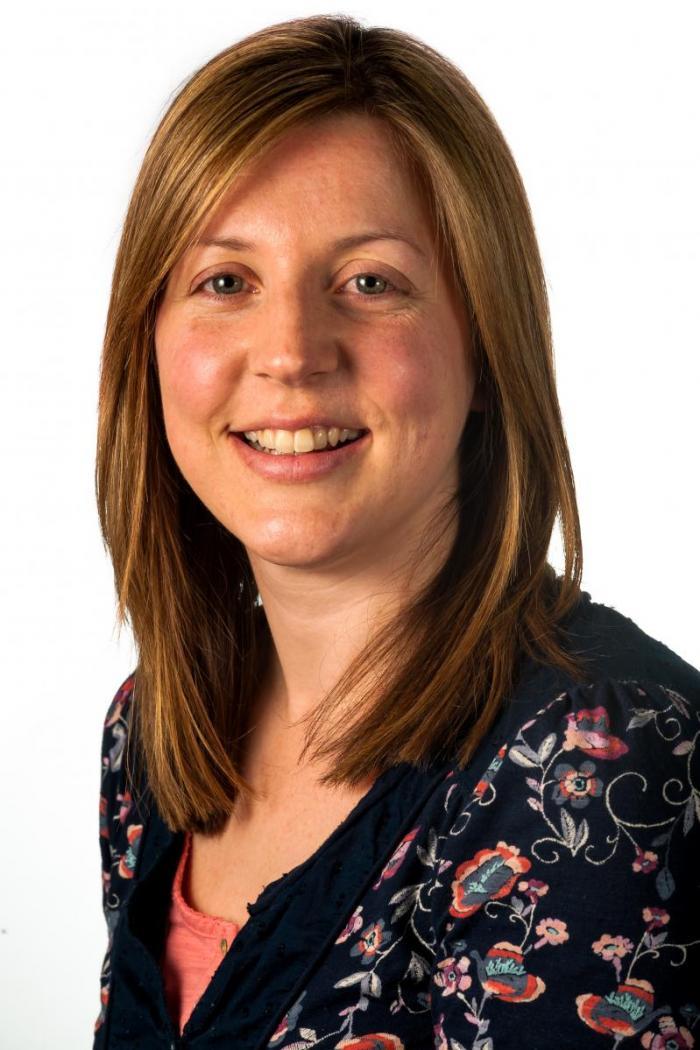 Jenny Simpson headshot