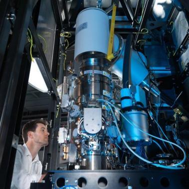 Dr Alistair Siebert, Principal Electron Microscopist for the electron Bio-Imaging Centre (eBIC).