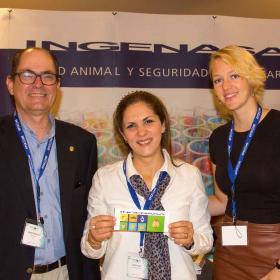 Prize winner Tamara with Jacques Delbecque and Anna Bindemann from event sponsors Ingenasa
